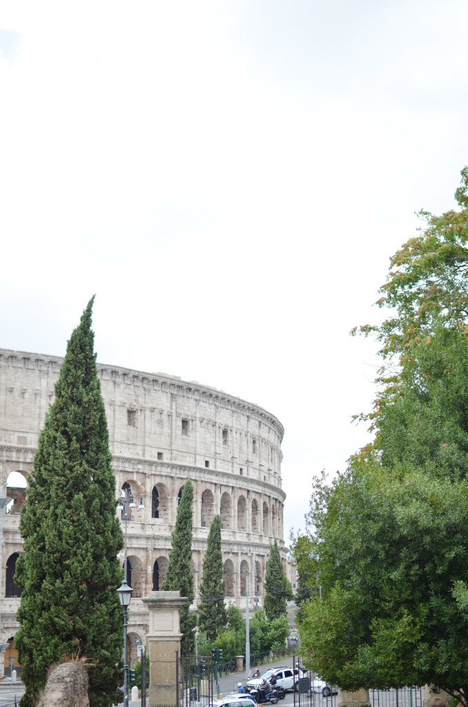 colosseum, rome sightseeing, roma vacation tips, italy travel blog