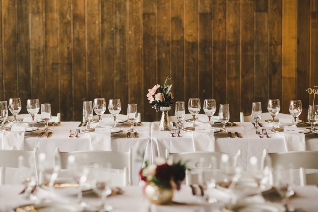 rustic farm table setting, minimal wedding table, alicia fashionista, north arm farm wedding reception