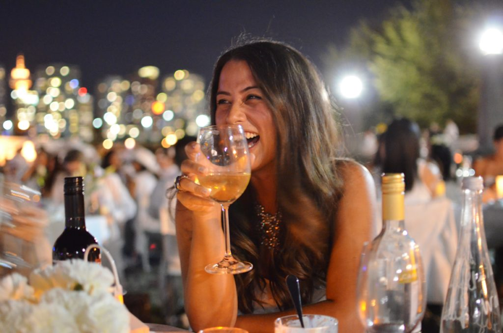 diner en blanc vancouver, alicia fashionista, what to bring to diner en blanc, how to pack for diner en blanc, diner en blanc tips