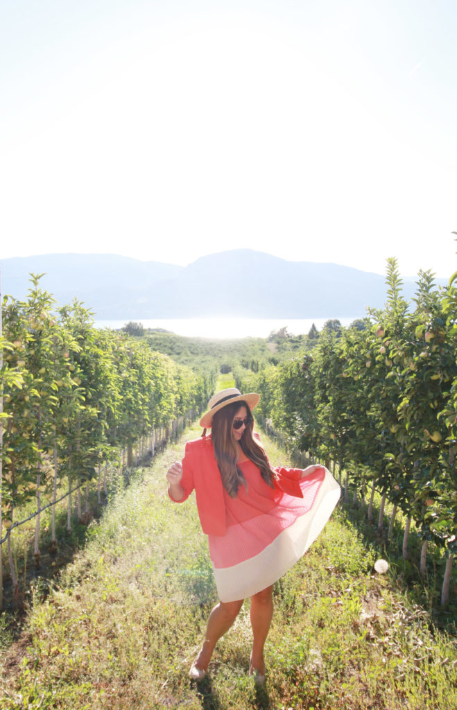colourful summer outfits, alicia fashionista, guide to the naramata bench, wine country bc, best weekend trips from vancouver