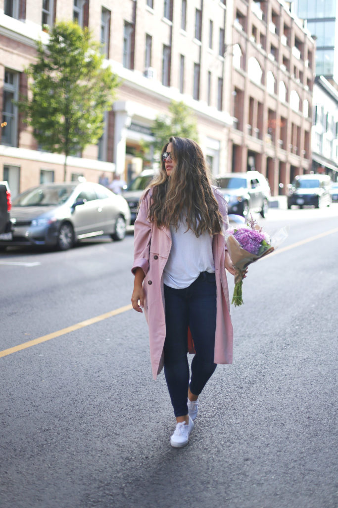 fall 2016 outfit ideas, best curvy outfit ideas, minimal style with colour, alicia fashionista, vancouver street style