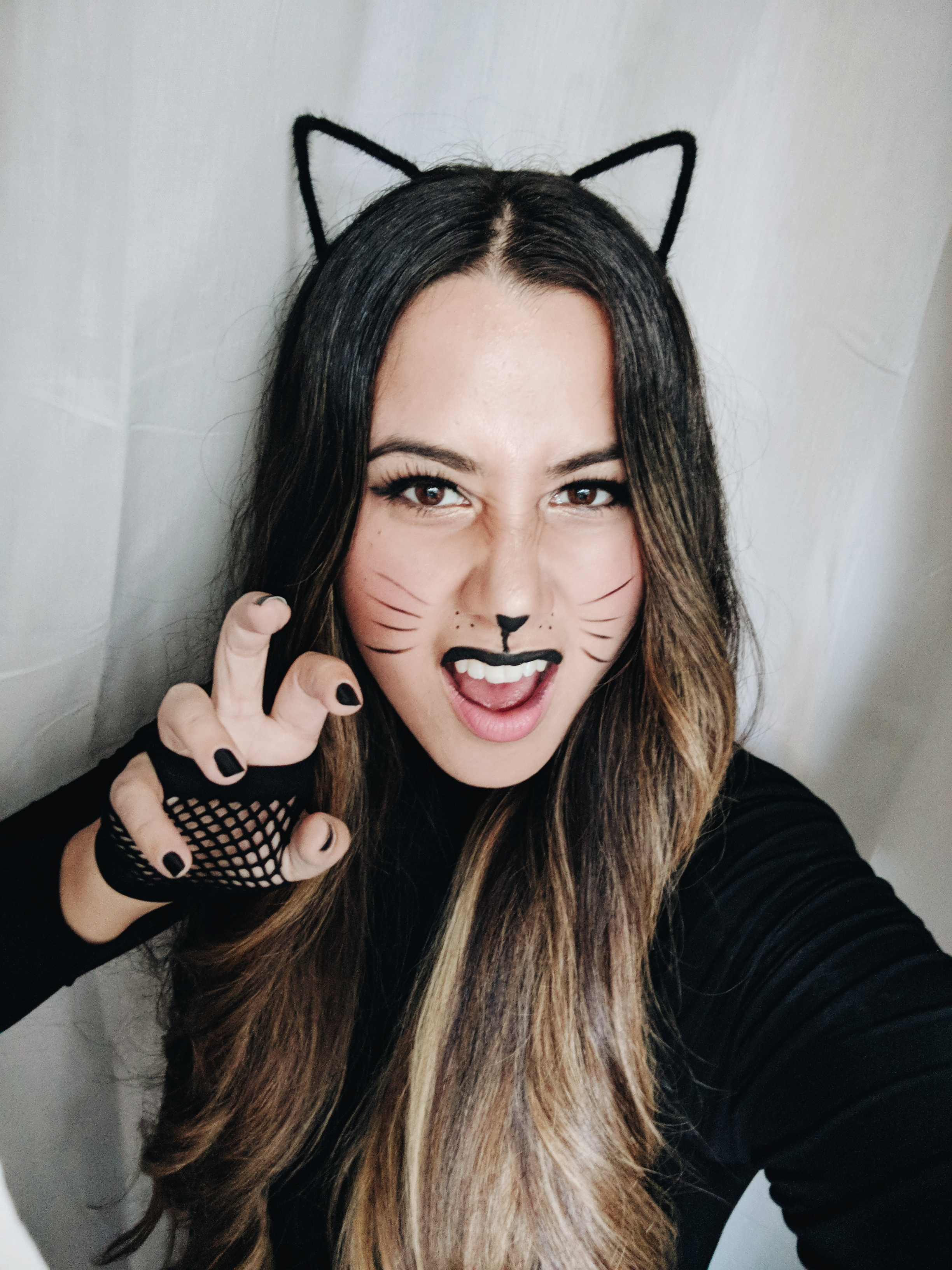 last minute black cat for halloween - alicia fashionista